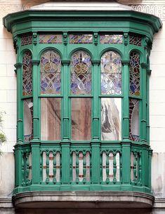 Barcelona - Pl. Reial 014 c by Arnim Schulz, via Flickr