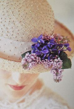 Flower hat from knotted sisal, https://www.judithm.com//products/knotted-sisal-flare #millinery #judithm #hats