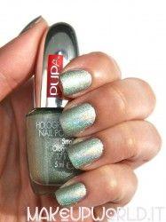 Pupa 031 Holographic Light Green #makeup #trucco #smalto #nail #nails #nailart #nailpolish #review #beauty #beautyblogger #nailmania