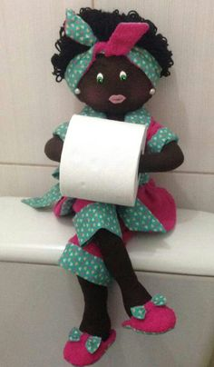 Diy Toilet Paper Holder, Toilet Paper Crafts, Doll Crafts, Sewing Crafts, Sewing Projects, Diy And Crafts, Arts And Crafts, Bathroom Crafts, Homemade Dolls
