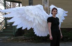 Angel wings side open. How? I'd try to do it if I could just figure out HOW.