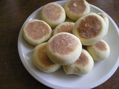 english muffin, the best breakfast Best Breakfast, Muffin, Bakery, Sandwiches, Food And Drink, Low Carb, Peach, Snacks, Fruit