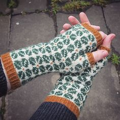Ravelry: Farmor pattern by Skeindeer Knits Fingerless Mitts, We Are Young, Needles Sizes, Knit Patterns, Arm Warmers, Ravelry, Knitted Hats, Thats Not My, Told You So