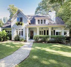 Style At Home, Future House, Dream House Exterior, Cottage Homes, Cozy Cottage, Cottage Farmhouse, Cape Cod Cottage, Farmhouse Plans, House Goals