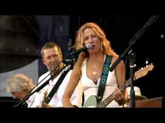"""▶ Sheryl Crow - """"Strong Enough"""" ...with a sweet reggae twist :-) [2010] - YouTube (saw her at Interlochen, a lot of great instrumentals.)"""
