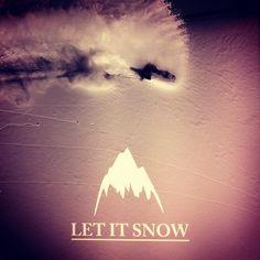 Let it snow @burtonsnowboard Burton Snowboards