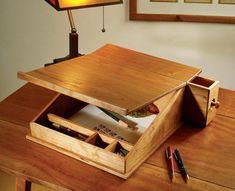 Simple Woodworking Plans Tips! An Update On Speedy Products In DIY Woodworking - Guide For Wood Woodworking Guide, Woodworking Magazine, Popular Woodworking, Woodworking Furniture, Woodworking Projects, Woodworking Lathe, Carpentry, Wood Furniture, Woodworking Classes