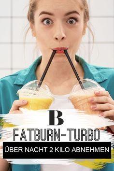 24-Stunden-Diät: über Nacht 2 Kilo abnehmen. Schlank dank Fatburn-Turbo: Das verspricht die 24-Stunden-Blitzdiät. Auf dem Plan stehen jede Menge Eiweiß und Ausdauersport. Funktioniert das? #abnehmen #diät #fatburn Drinks, Breakfast, Food, Hay Diet, Food Planner, Dieting Tips, Health And Fitness, Drinking, Morning Coffee
