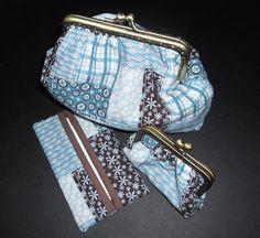 Set of purses.