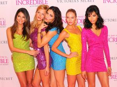 """Adriana Lima in Victoria's Secret Angels Debut The New """"INCREDIBLE"""" Bra"""