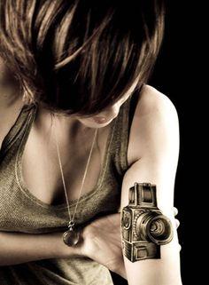 Most Beautiful Camera Tattoo - Tattoos - Camera Tattoos, 3d Tattoos, Body Art Tattoos, Sexy Tattoos, Tattoo Photography, Photography Camera, Food Photography, Sara Fabel, 3d Camera