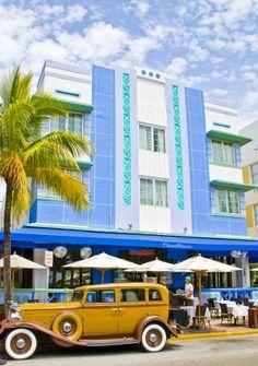 Art deco in miami beach, florida, photo roberto portolese miami beach арх. South Beach Florida, Miami Florida, Florida Beaches, Miami Beach, Miami Art Deco, Building Software, Art Deco Buildings, City Buildings, Florida Travel