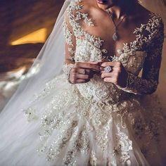 Prinzessin und Spitze Brautkleid Modell M-2052 #brautkleid #modell #prinzessin #spitze