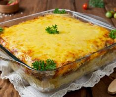Try This Crowd-Pleasing Cheeseburger Pasta Bake for An Easy, Delicious Dish – 12 Tomatoes Healthy Taco Recipes, Beef Recipes, Cooking Recipes, Entree Recipes, Recipies, Chicken Taco Casserole, Casserole Recipes, Potato Casserole, Pasta Casserole