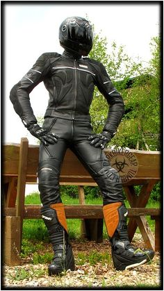 My gay life in skintight leather, latex/rubber, neoprene, spandex and tall boots! I come from...