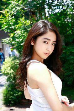 Taira Yuna (平祐奈) Japanese Actress, 平愛梨(姉) Japanese Beauty, Japanese Girl, Asian Beauty, Sweet Girls, Cute Girls, Asian Cute, Queen, Kawaii Girl, Beautiful Asian Women
