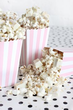 » DIY EATS | WHITE CHOCOLATE GOLDEN POPCORN