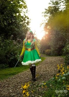Female Wind Waker Link cosplay by @heyitscloe. That dress is adorable!