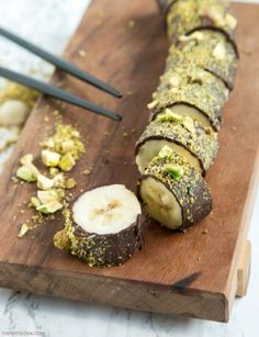 Pistachio Chocolate Banana Sushi - All you need is just 3 ingredients and 15 minutes Recipe by http://thepetitecook.com I added cloves as I chopped the pistachios, yum!