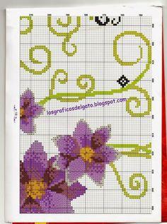 Precioso gráfico de un triptico de flores moradas y mariposa...
