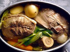 viande, os à moelle, carotte, poireau, rave, céleri, oignon, clou de girofle, ail, bouquet garni, poivre, Sel