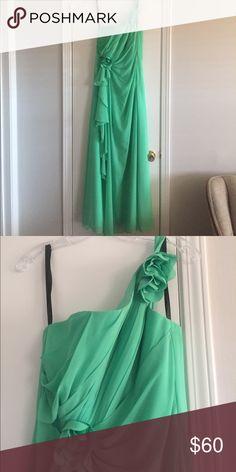 Spring green one-shoulder bridesmaid dress Worn once. Lovely one-shoulder dress with details. Jordan Dresses One Shoulder