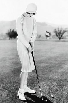 """""""I knew now why her face was familiar — its pleasing contemptuous expression had looked out at me from many rotogravure pictures of the sporting life at Asheville and Hot Springs and Palm Beach.""""(20)."""