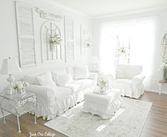 Junk Chic Cottage: Living Room Reveal