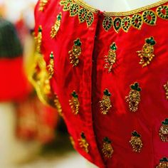 Clothes shop mirror 42 Ideas for 2019 Bridal Blouse Designs, Saree Blouse Designs, Mirror Work Blouse, Maggam Work Designs, Stylish Dresses For Girls, Boho Outfits, Traditional Outfits, Mirror Ideas, Clothes For Women