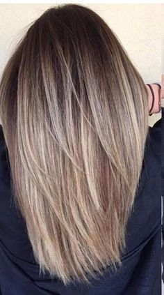 46 beautiful Balayage hair color ideas for blonde short hair .- 46 wunderschöne Balayage-Haarfarbe-Ideen für blondes kurzes glattes Haar 46 beautiful balayage hair color ideas for blonde short straight hair - Ombre Hair Color, Hair Color Balayage, Cool Hair Color, Blonde Balayage, Blonde Color, Balayage Highlights, Balayage Straight Hair, Short Straight Hair, Straight Hair Highlights