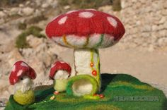 Mushroom House Small Felted Waldorf Season Nature Table Play-Mat Playscape Wet Felted Embroidered Hollow Trunk