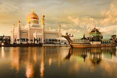 Mosquée Omar ali saifuddin- Bandar Seri Begawan- Sultanat de BRUNEI