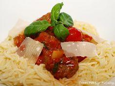 Spicy kjøttboller i tomat- og paprikasaus - TRINEs MATBLOGG