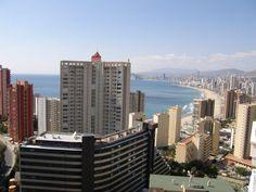 Precioso apartamento de 2 dormitorios cerca de la playa - Alicante, ESPAÑA - QUICK Anuncio San Francisco Skyline, Skyscraper, Multi Story Building, Travel, Shopping, Alicante Spain, Apartments, Yurts, Skyscrapers