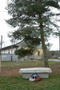 Pomník ve Svatém Kříži