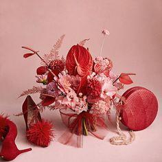 red bouquet and accessories Exotic Flowers, Love Flowers, Dried Flowers, Beautiful Flowers, Floral Bouquets, Wedding Bouquets, Wedding Flowers, Floral Centerpieces, Floral Arrangements