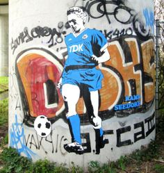 """Amsterdam's Soccer-Themed Street Art: Where to See """"Banksy with Balls"""" : Condé Nast Traveler Acrylic Painting Lessons, Watercolor Paintings Abstract, Landscape Paintings, Abstract Oil, Painting Art, Marco Van Basten, Soccer Art, Football Art, Street Football"""