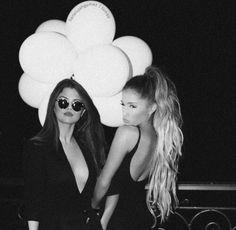 Ariana Grande Selena Gomez, Selena Gomez Bangs, Adriana Grande, Selena And Taylor, Justin Bieber And Selena, Marie Gomez, Friend Goals, Romantic Couples, Celebs