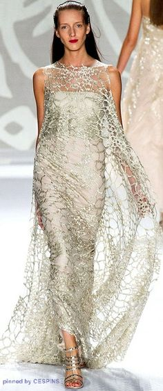 Monique Lhuillier Spring-Summer 14. LBV