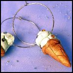 Ice Cream Bar and Cone Tutorials... just in time for summer!!  Three fun tutorials at Poly Clay Play.