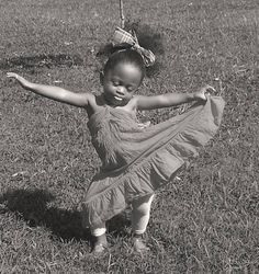 Dance, you beautiful little princess. Just Dance, Dance Like No One Is Watching, Shall We Dance, Beautiful Children, Beautiful Babies, Beautiful People, Tiny Dancer, Dance Art, Black Is Beautiful