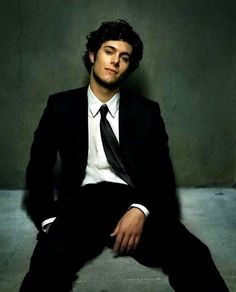 adam brody// reminds me of my obsession with the OC from 2003-2007 (my college years :)