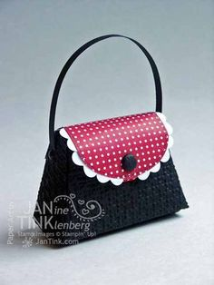"3/30/2012; Janine Tinkllenberg  at ""Stamps, Paper, Scissors"" blog using SU products; another lovely little purse and the square lattice embossing folder"