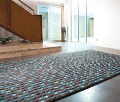 200*300cm € 1.789,00 viscose en wol Ligne Pure • Small Coloured Circles • Blauw, Bruin • Online moderne tapijten kopen • Online tapijten