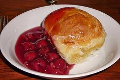 Großmama's Dampfnudeln von wargele | Chefkoch Pancakes, Food And Drink, Pie, Pudding, Breakfast, Desserts, German, Poor Mans Recipes, Cooking