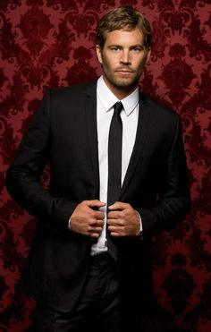 Paul Walker, so darn ridiculously handsome! His passing is such a tragic loss to all of humanity for so many reasons! :-(