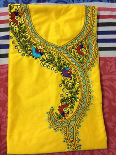 Cushion Embroidery, Hand Embroidery Dress, Kurti Embroidery Design, Embroidery Neck Designs, Embroidery Works, Embroidery Patterns, Saree Painting, Dress Painting, Fabric Painting
