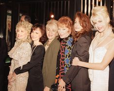 Dolly Parton, Sally Field, Olympia Dukakis, Shirley MacLaine, Julia Roberts and Daryl Hannah @ 'Steel Magnolias' Premiere, 1989