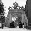 glasnegatief Doelenpoort, medio 1900, bron: RAL PV12359