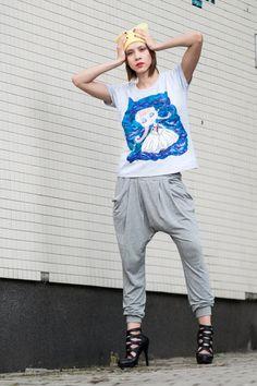 Koszulka ręcznie malowana Ballerina w Mystic Machine na DaWanda.com